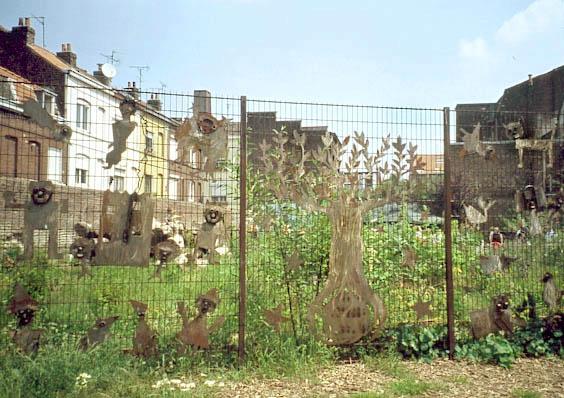 Les jardins communautaires lillois jardinons ensemble for Le jardin d alix lille